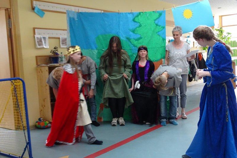 a-visit-to-king-arthurs-court-theaterstueck-der-englisch-ag